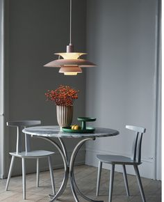 Designer Poul Henningsen created the pendant lamp for the famous Danish publishing house, Louis Poulsen. The pendant lamp is a true icon of the. Beautiful Interior Design, Beautiful Interiors, Interior Design Inspiration, Colorful Interiors, Design Ideas, Pendant Lamp, Pendant Lighting, Ph Lamp, Vitra Design