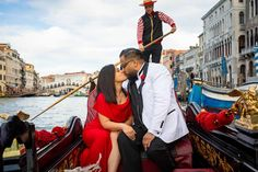 Taking Romantic Engagement Pictures of the Big Question in Venice Italy Proposal Photography, Lifestyle Photography, Wedding Proposals, Wedding Couples, Rome Italy, Venice Italy, Couple Posing, Couple Photos, Best Rooftop Bars