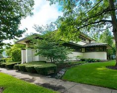 F.B. Henderson House: Frank Lloyd Wright's Early Prairie Style Up For Sale (PHOTOS)