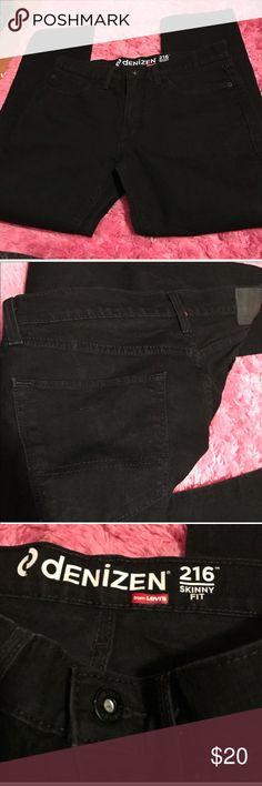 Levi's Denizen Black Jeans 34x 30. Skinny fit Levi's Jeans