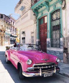 Check out our web site for more information on vintage cars. - Autos - Design de Carros e Motocicletas Carros Retro, Carros Vintage, Retro Cars, Vintage Cars, Antique Cars, Vintage Auto, Dream Cars, Kenza Zouiten, Classy Cars