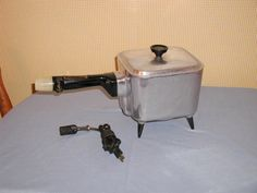 VINTAGE 1950'S NESCO COOKRYTE ELECTRIC SAUCEPAN SLOW COOKER, DEEP FRYER, COOKER. FOR SALE IN MY BLUJAY STORE.  http://www.blujay.com/?page=ad&adid=4724594&cat=7200500