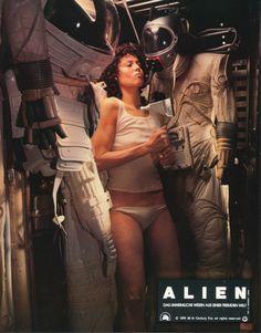 "rhubarbes: "" Sigourney Weaver ( Alien, 1979 - Ridley Scott ) More portrait here. Alien Films, Aliens Movie, Tv Movie, Sci Fi Movies, Science Fiction, Alien 1979, Films Cinema, Fritz Lang, Ridley Scott"