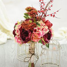 Simulation Artificial Silk Flower Nostalgic Tea Rose Berry Mash Bridal Bouquets Holding Flowers Wedding Flowers