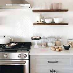 Open kitchen shelves from Shelfology