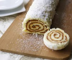 Nadire Atas on South American Desserts Dulce de Leche Roll. A beloved South American recipe. (in Spanish and English) Latin American Food, Latin Food, Bolivian Food, Bolivian Recipes, Chilean Recipes, Chilean Food, Mexican Food Recipes, Dessert Recipes, Ethnic Recipes
