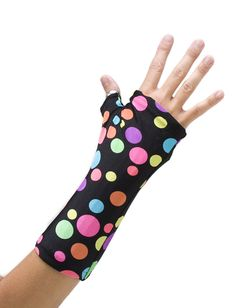 Great idea to cover splints/casts, especially fro kids who tend to want to remove their splints!