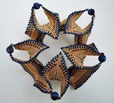 Bangle based on Kate Mckinnon's Contemporary Geometric Beadwork - Violetta Pretorius