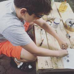 Młody pracuje nad własnym SPINEREM  #spiner #dzieciecaradosc #dziecięcaradość #synek #edukacjawdomu #eduakcja