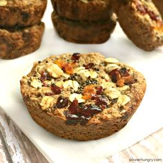 Whole grain amaranth breakfast treats that are vegan, flourless, gluten-free, high in fiber, almost 5 g protein, and only 119 calories.Amaranth. Have you made its acquaintance?I am enamored of this super-grain, but have been remiss in posting a new amaranth recipe in a while, despite...