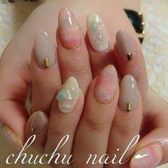 埼玉県川越市自宅ネイル chuchu nail♡さんはInstagramを利用しています:「天然石可愛すぎる❤ . . ネイルは浮かないし最近のあいかちゃんは無敵モード(ू•ω•ू❁)笑 デザインも毎回可愛い❤ さすがショップ店員(o´∀`o)ふふふ . . 可愛い義妹だー(*¨*) そして、天然石また仕入れました #nail #nails #nailart #gelnail #handnail #ショップ店員 #副店長 #Mercuryduo #マーキュリーデュオ #オシャレデザイン #春ネイル #ジェルネイル #ネイル #川越 #タイダイ柄 #自宅サロン #自宅ネイル #タイダイネイル #グレージュ #トレンド #Naturalstone #ローズクォーツ #セレニティ #キャンドルネイル #大理石ネイル #大理石 #天然石 #天然石ネイル #popcornnail」