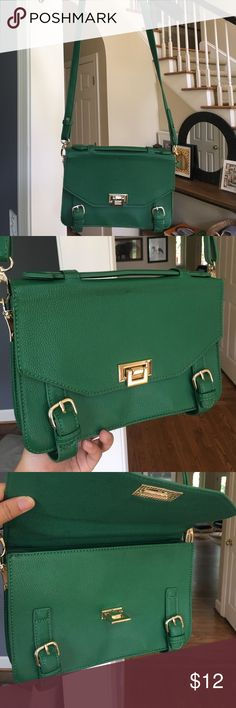 Green Shoulder Bag Green Forever 21 Shoulder Bag Forever 21 Bags Shoulder Bags