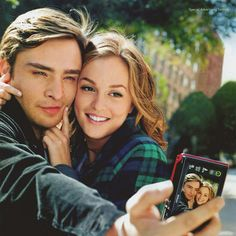 THEY MUST BE TOGETHER!!!!!!!!!!!!! I <3 this couple! Blair is so gorgeous, love her style and Chuck......*swoon*