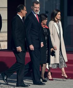 aee8c4c7d37 Presidents Wives, Trouser Suits, Trousers, Royal Palace, Queen Letizia,  Crown Jewels