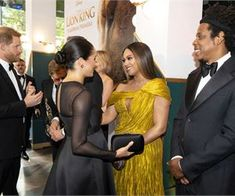 Beyonce Meets Meghan Markle at 'Lion King' European Premiere!: Photo Meghan, Duchess of Sussex (AKA Meghan Markle), Prince Harry, Beyonce and Jay-Z are all meeting each other for the first time! The superstar Everything Is Love… Beyonce E Jay Z, Beyonce Knowles, Prince Harry Et Meghan, Princess Meghan, Harry And Meghan, Serena Williams, Meghan Markle, John Oliver, Royalty