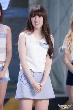 Pretty Asian Girl, Beautiful Asian Women, Beautiful Legs, The Empress Of China, Hot Japanese Girls, G Friend, Girl Bands, Korean Celebrities, Kpop Girls
