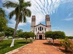 Catedral Nossa Senhora do Seringueiro. Guajará-Mirim, Brasil.