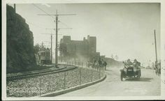 """Oslo Christiania Kristiania  EKEBERGBANEN ved Sjömandsskolen. Flott motiv med trikk, hestekjerrer og veteranbil """"A-901"""" Utg  J.H. Küenholdt Küenholdt Postgått 1917"""
