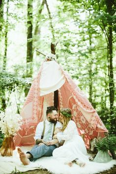 Alternative Forest Wedding Inspiration | Photo by Kaytee Lauren