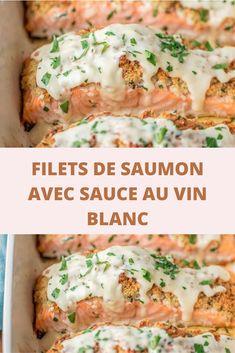 Il y des poissons qui se contentent de peu car la saveur de leur chair se suffit à elle-même.C'est le cas du saumon. Pour des festivités réussies et des hôtes comblés, servez un plat de saumon à la sauce au vin blanc, affinée de crème aromatisée à l'échalote et à l'aneth.  J'adore faire des pavés de saumon au grill,juste parsemés de gros sel. Un régal. Il y a quand même cette association crème-vin blanc qui est parfaite et qui l'accompagne à merveille. Tip Top, Shellfish Recipes, Antipasto, Salmon Burgers, Baked Potato, Seafood, Chicken Recipes, Ethnic Recipes, Saveur