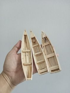 Kids Boat, Model Ship Building, Model Boat Plans, Dollhouse Tutorials, Wood Cat, Wooden Ship, Recycled Art, Model Ships, Wood Toys