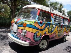 nice swirly painted volkswagen bus painted by Ken Mitchell Always wanted to own one of these:) Volkswagen Bus, Volkswagen Beetles, My Dream Car, Dream Cars, Dream Life, Wolkswagen Van, Diy Auto, Combi Wv, Bus Art