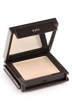 The most velvety finish, this cream eye shadow is a dream.  perfect as a base under your powder eye shadows to stop creasing or your shadow flaking or melting off in the heat.