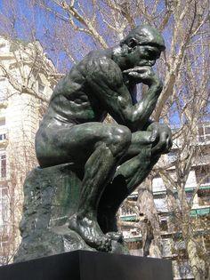 """""""El Pensador""""  Auguste Rodin  - Es una fuente de placer en sí misma. - Es producto de la intención de hacer una obra de arte - Es una escultura (forma artística)"""