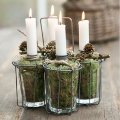 Here are 16 awesome ideas for diy Christmas decorations. Advent Candles, Christmas Candles, Christmas Centerpieces, Candle Lanterns, Diy Candles, Rustic Christmas, Christmas Lights, Christmas Diy, Christmas Decorations