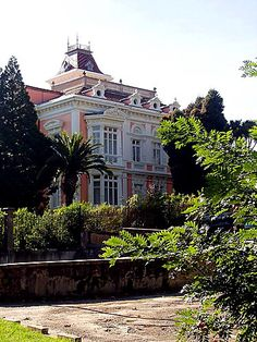 Palacete Velázquez o el Capitolio, Grado, Asturias