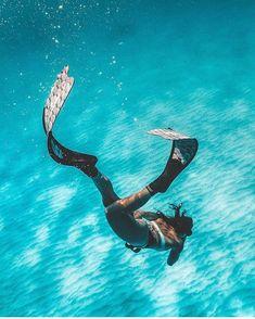 Cairns, Queensland, Australia with Katie Purling Underwater Photos, Underwater Photography, Travel Photography, Ocean Underwater, Beach Pictures, Travel Pictures, Places To Travel, Places To Visit, Snorkelling