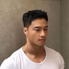 Asian Men Hairstyles: 28 Popular Haircut Ideas #asianhairstyles #asianhaircuts #asianmanbun #asianundercut #asianfadehaircut #menshairstyles #menshair #menshaircuts #koreanhaircut #koreanhairstyle #eboy #eboyhaircut #kpop #kpophairstyle Asian Fade Haircut, Asian Undercut, Korean Haircut, Crop Haircut, Side Part Hairstyles, Asian Hairstyles, Asian Men Hairstyle, Men Hairstyles, Haircuts For Men