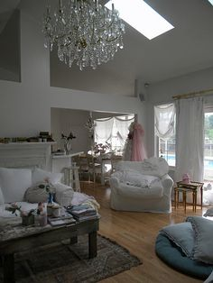Awesome blog i just found...Simply Me.....soooo shabby chic & gorgeous:)