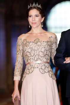 Princess Mary Photos Photos - Crown Princess Mary of Denmark attends a dinner hosted by Queen Beatrix of The Netherlands ahead of her abdication in favour of Crown Prince Willem Alexander at Rijksmuseum on April 29, 2013 in Amsterdam, Netherlands. - Queen Beatrix Hosts a Dinner Ahead of Her Abdication