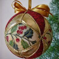 Christmas Craft Fair, Quilted Christmas Ornaments, Felt Christmas Decorations, Fabric Ornaments, Christmas Sewing, Noel Christmas, Handmade Ornaments, Handmade Christmas, Christmas Tree Ornaments