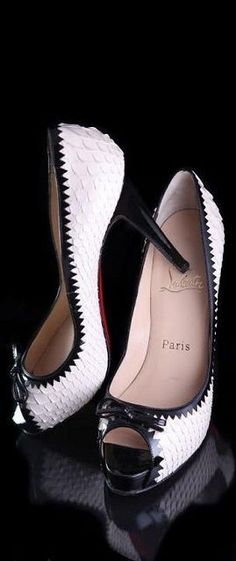 Louboutins -- 25 High Fashion High Heels on the Street that You Absolutely Must See - Style Estate - Cheap Christian Louboutin Cute Shoes, Women's Shoes, Me Too Shoes, Shoe Boots, Platform Shoes, Trendy Shoes, Stilettos, Stiletto Heels, Sexy Heels