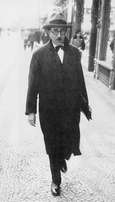 Fernando António Nogueira Pessoa wrote under three main heteronyms: Alberto Caeiro, Álvaro de Campos and Ricardo Reis. The heteronyms possess distinct biographies, temperaments, philosophies, appearances and writing styles.