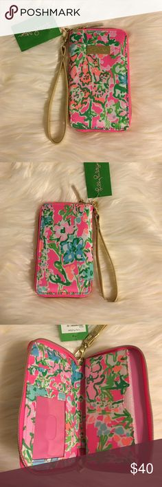 Lilly Pulitzer Tiki Palm IPhone 6 wristlet Lilly Pulitzer Tiki Palm IPhone 6 wristlet Pattern: southern charm  Brand new never used.  One slot for ID  3 card slots.  Fits an iPhone up to 6/6s  🚫No trades 🚫No lowballing ✅Bundle Discount 💯 Authentic items  Ask about using Ⓜ️erc! Lilly Pulitzer Bags Clutches & Wristlets