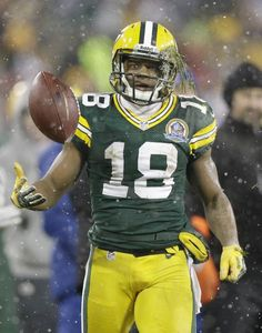 The Week in Sports Pictures: Dec. 3 — 9 - The Week in Sports Pictures- NBC Sports  Randall Cobb of the Green Bay Packers Dec. 9, 2012 in Green Bay, WI vs Detroit Lions  GB won 27-20