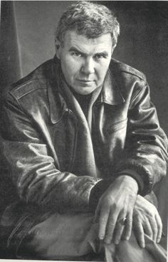 """i12bent: """"Raymond Carver, American master of the short story form - died this day in 1988, aged 50, from lung cancer… """"Get in, get out. Don't linger. Go on."""" — Raymond Carver """""""