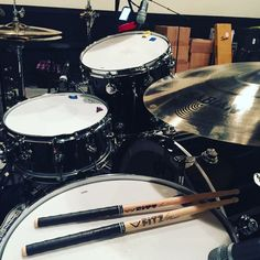 Brent Fitz's new DW drums with Sabian cymbals