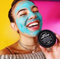 Don& Look At Me is our most Insta-worthy Fresh Face Mask! And thanks to skin brightening lemon juice you& want to take selfies once it& off, too. Lush Fresh Face Masks, Charcoal Mask Benefits, Diy Face Scrub, Blue Face Mask, Moisturizer For Oily Skin, Too Faced, Happy Skin, Skin Brightening, Selfies