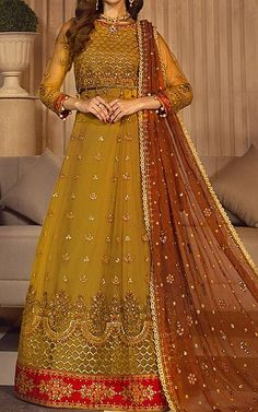 Pakistani Wedding Dresses Online, Pakistani Bridal, Pakistani Dresses, Chiffon Fabric, Chiffon Dress, Fashion Pants, Fashion Dresses, Designer Party Wear Dresses, Pakistani Designers