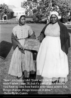 Butterfly McQueen & Hattie McDaniel: Gone With the Wind - Wardrobe stills. Hattie McDaniel became first African Ameican woman to win an Oscar.she won it for her role as Mammy in the epic film. Go To Movies, Old Movies, Great Movies, Awesome Movies, Vintage Movies, Vintage Hollywood, Classic Hollywood, Divas, Hattie Mcdaniel