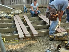 How To Build a Floating Deck : For the area by the swing set and back flower garden!