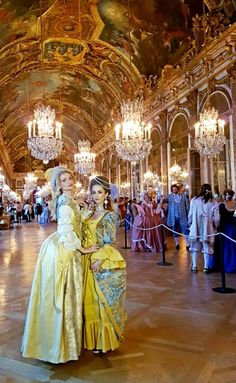 Party at Versailles Baroque, Renaissance, Versailles Paris, Moda Medieval, Luis Xvi, Passion Photography, 18th Century Costume, Rococo Fashion, 18th Century Fashion