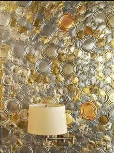 This wall is covered with tin can tops! The creative re-use was for a bedroom suite decorated by White Webb in this year's Kips Bay Decorator Show House in New York. The ultimate in recycling Diy Lampe, Deco Restaurant, Recycling, Can Lids, Tin Can Crafts, Diy Upcycling, Recycled Art, Repurposed, Wall Treatments
