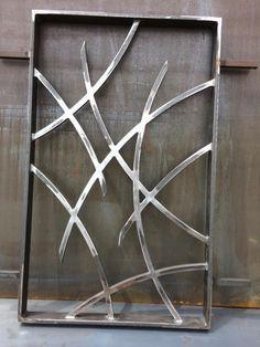 Malla de defensa moderna hecha a medida. Modelo Val Malla de defensa moderna hecha a medida. Window Grill Design Modern, Grill Door Design, Door Gate Design, Railing Design, Fence Design, Steel Grill Design, Metal Gates, Metal Screen, Door Frame Molding