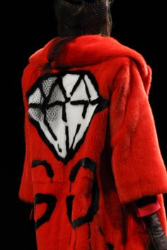 Gucci AW16 MFW - Red fur coat with diamond and dripping G logo on the back #forthegs...x