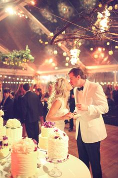This is a great shot of what a clear-top tent can do for the ambiance and your #nighttimewedding